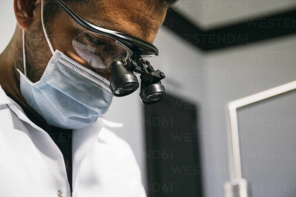 Surgical Loupes - Features To Consider When Buying Surgical Loupes